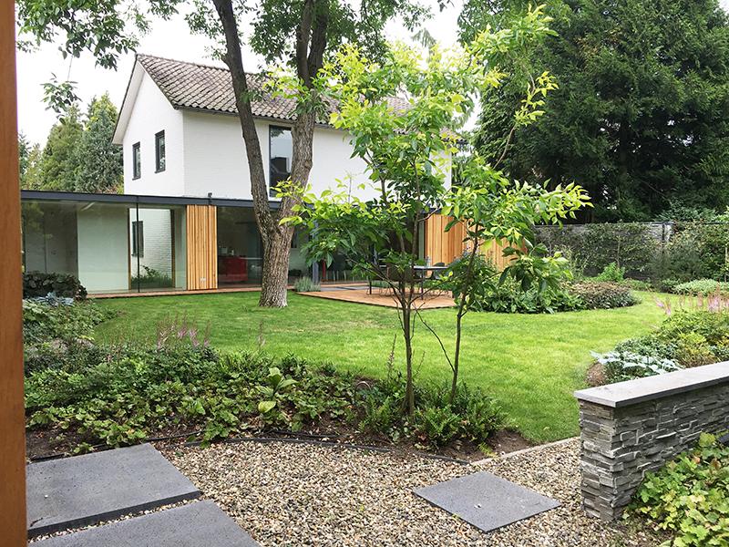 Harmonie van huis-en tuinarchitectuur